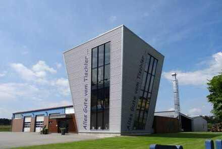 Attraktive Gewerbeimmobilie - Hallen mit Büro- Sozial und Ausstellungsräumen in Mettingen