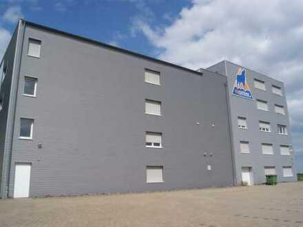 Großzügiges Büro- und Lagergebäude im Gewerbegebiet Siegerland-Flughafen
