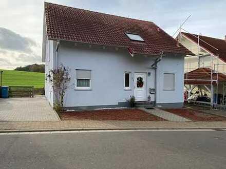 Gepflegtes Einfamilienhaus zu verkaufen