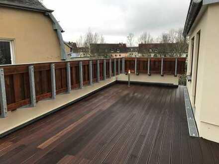 *** 8 Zimmer - große, sonnige Dachterrasse - Kamin - Parkett - moderne Ausstattung ***