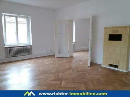 MA-Lindenhof: Frisch renovierte 3 ZKB mit kleinem Balkon wartet auf passende Mieter
