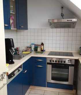 Gepflegte 1-Zimmer-Dachgeschosswohnung mit EBK in Haßloch