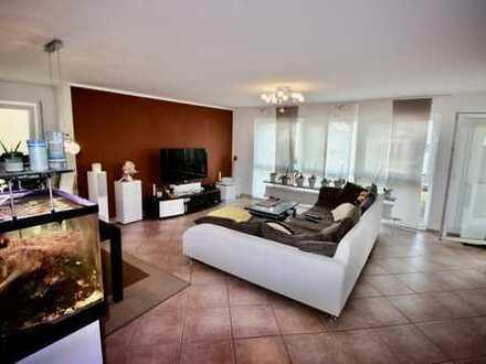 Sehr gepflegte 3-Zimmer Wohnung mit Balkon und EBK in Mannheim Seckenheim