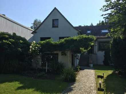 Schönes Haus mit sechs Zimmern in Bochum, Wiemelhausen/Brenschede