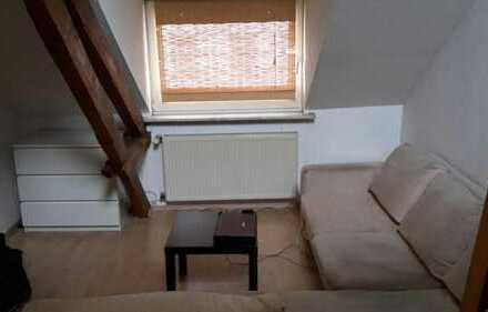 Schönes Zimmer in sehr zentraler Wohnung in Aachen City