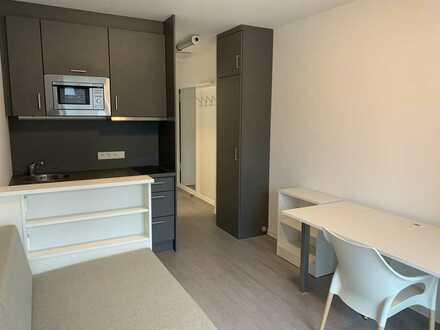 Mit EBK und Balkon: möbliertes 1-Zimmer-Apartment in Neukölln, Berlin