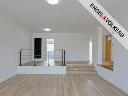 Moderne 5 Zimmer Maisonette-Wohnung