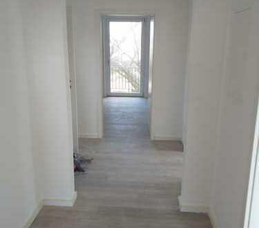 Erstbezug nach Sanierung: 3-Zimmer-Wohnung mit zwei Balkonen in Selb