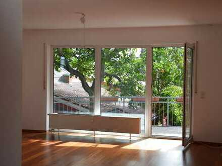 Schöne 4 Zimmer Wohnung in Frankfurt Niederrad