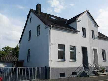 Schönes Einfamilienhaus mit Süd-Terrasse, Garage und großem Garten zu vermieten