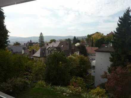 Schöne zwei Zimmer Gartengeschoss-Wohnung mit toller Terrasse u. Ausblick
