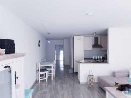 Wunderschöne 3-Zimmer-Wohnung mit Balkon und Einbauküche in St.Leon-Rot