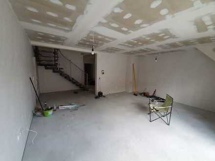 Erstbezug: exklusive 5-Zimmer-Wohnung mit Balkon in Mannheim Sandhofen 125