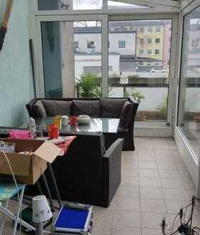 traumhafte 6 Zimmerwohnung mit Wintergarten und Terrasse