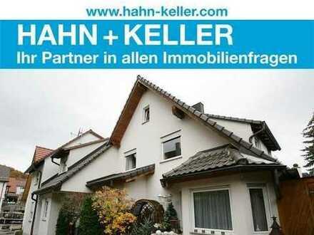 Attraktives Einfamilien-Doppelhaus in Exklusiver Ausstattung mit Blick in die Weinberge!