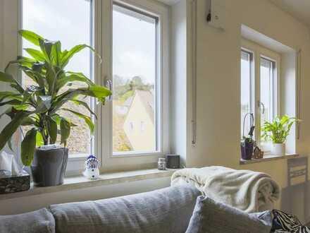 Schöne 3-Zi-DG-Wohnung mit Dachbalkon