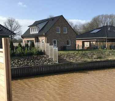 Exclusiv wohnen-Direkt am Wasser-mit Bootsanleger-Seehaus mit Garten, Terrasse, moderner Ausstattung