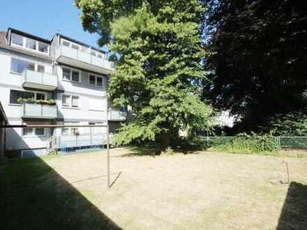 Schön geschnittene 3-Zimmer-Wohnung - alleinige Gartennutzung - Balkon - Garage - ruhig und zentral