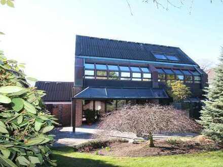 Architektenhaus mit viel Licht, hohen Decken, Gartenidyll, Garagen & unverbauter Naturverbundenheit
