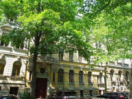 Stilvolle Wohnung im Musikviertel mit Parkett und Stuck, inkl. EBK u. Balkon am Clara Zetkin Park