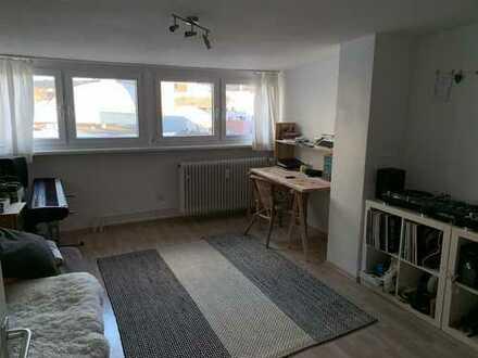 Schöne 1,5-Zimmerwohnung im Dachgeschoss in Pf-Innenstadt