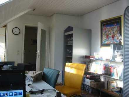 2 vollständig renovierte 5-Zimmer-DG-Wohnunge mit Einbauküchen in Baden-Baden