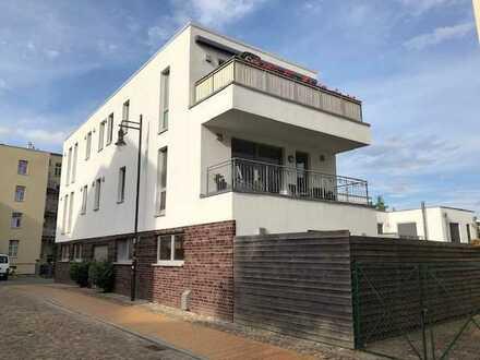 Exklusive und perfekt durchdachte Eigentumswohnung über 2 Ebenen mit Balkon, Terrasse und Gar
