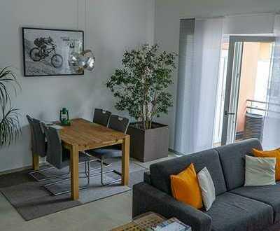 Neuwertige Wohnung mit zwei Zimmern sowie Balkon und Einbauküche in Neuburg an der Donau