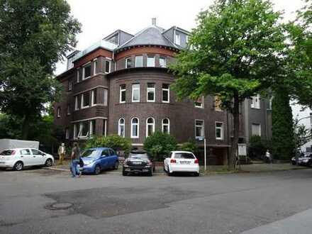 Schöne, geräumige fünf Zimmer Altbau-Wohnung in Dortmund, südliche Innenstadt