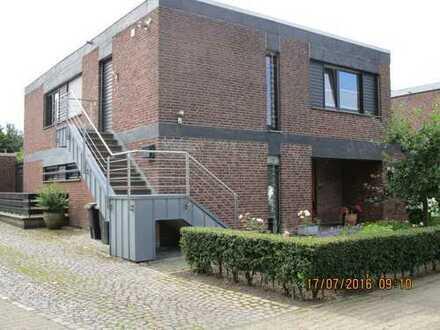 Aachen, helle, modernisierte Einliegerwohnung mit separatem Zugang.