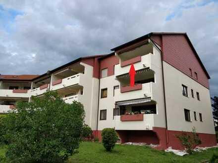 Von Privat: Exklusive, gepflegte 4-Zimmer-Wohnung mit großem Balkon und EBK in Korntal-Münchingen