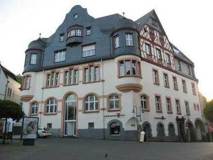 """Repräsentative Bürofläche in der Fußgängerzone in Idar-Oberstein """"Alte Post"""" zu vermieten"""