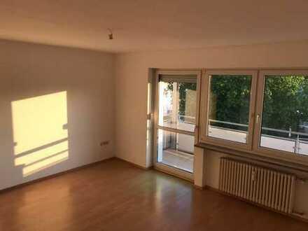 Helle drei Zimmer Wohnung in Ingolstadt, Südwest
