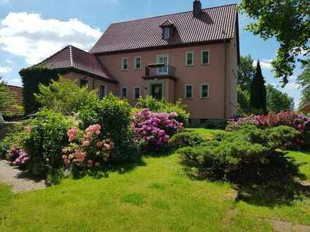 **Einmalige Villa mit 6000m2 idyllischem Garten und großem Pool** - im Herzen des Spreewalds