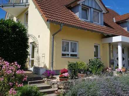 Provisionsfrei! Attraktive Doppelhaushälfte im mediterranen Stil in Bad Krozingen