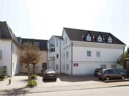 Sehr schöne und moderne 3 ZKB Wohnung 1. OG -Anbau