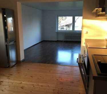 Vollständig renovierte 4-Zimmer-Wohnung mit Balkon und EBK in Neu-Anspach/Westerfeld