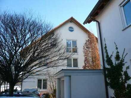 3-Zimmer-DG-Wohnung mit Balkon