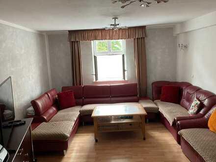 Freundliche 4-Zimmer-Wohnung mit Einbauküche in Dinkelsbühl