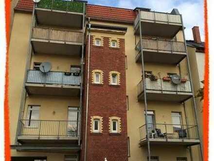 Schöne 2-Zi. Wohnung mit BALKON und LAMINAT