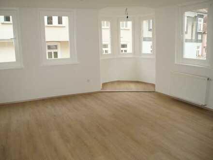 4-Raum Wohnung mit Einbauküche zu vermieten - auch für Büro oder WG geeignet