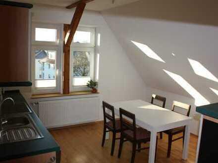 Erstbezug nach Sanierung mit Einbauküche: schöne 3-Zimmer-DG-Wohnung in Einbeck