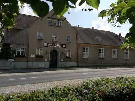 Landgasthof in Deutschbaselitz mit großem Gastraum, Biergarten und Dachgeschosswohnung