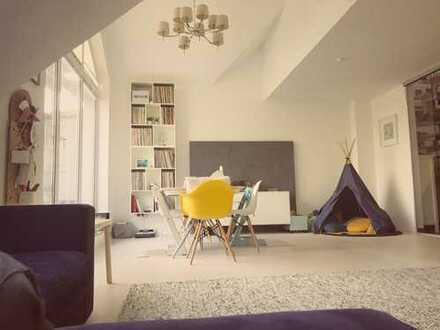 Schöne, helle Maisonette-Wohnung mit Balkon und Einbauküche in Blankenstein