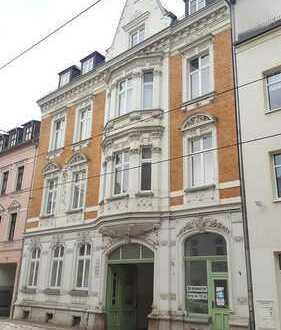 Interessante Dachgeschoss-Maisonette, 3 Räume + kleines Esszimmer, Küche mit Fenster, vermietet