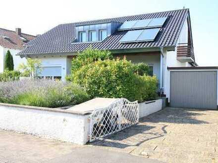 Charmantes Wohnhaus mit Garten und Garage
