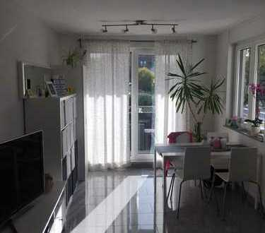 Schöne, geräumige Zwei-Zimmer-Wohnung in Hürth-Efferen