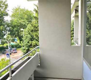 Großzügige und helle Singlewohnung in grüner Umgebung - frei -