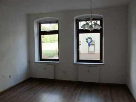 Schöne, geräumige ein Zimmer Wohnung in Werdau Kreis Zwickau