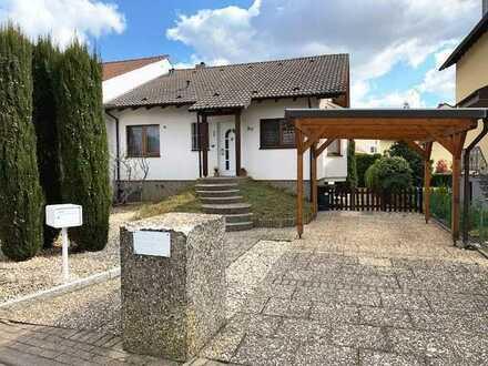 Tolles und lichtdurchflutetes Einfamilienhaus mit Wintergarten und Carport!